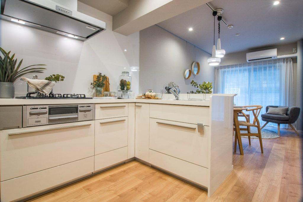 3-1.セミオープン型キッチン