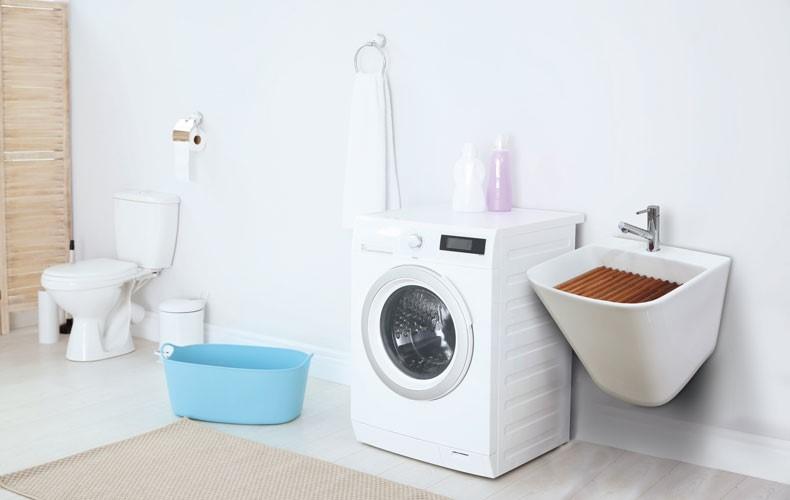 洗面所におしゃれな洗濯板付きスロップシンクを