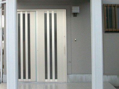 開き戸から引き戸へのリフォーム事例3