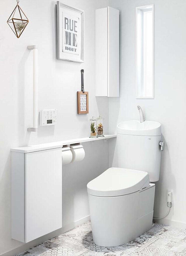とことん真っ白なトイレ