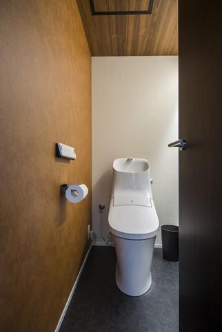シンプルシックなトイレ