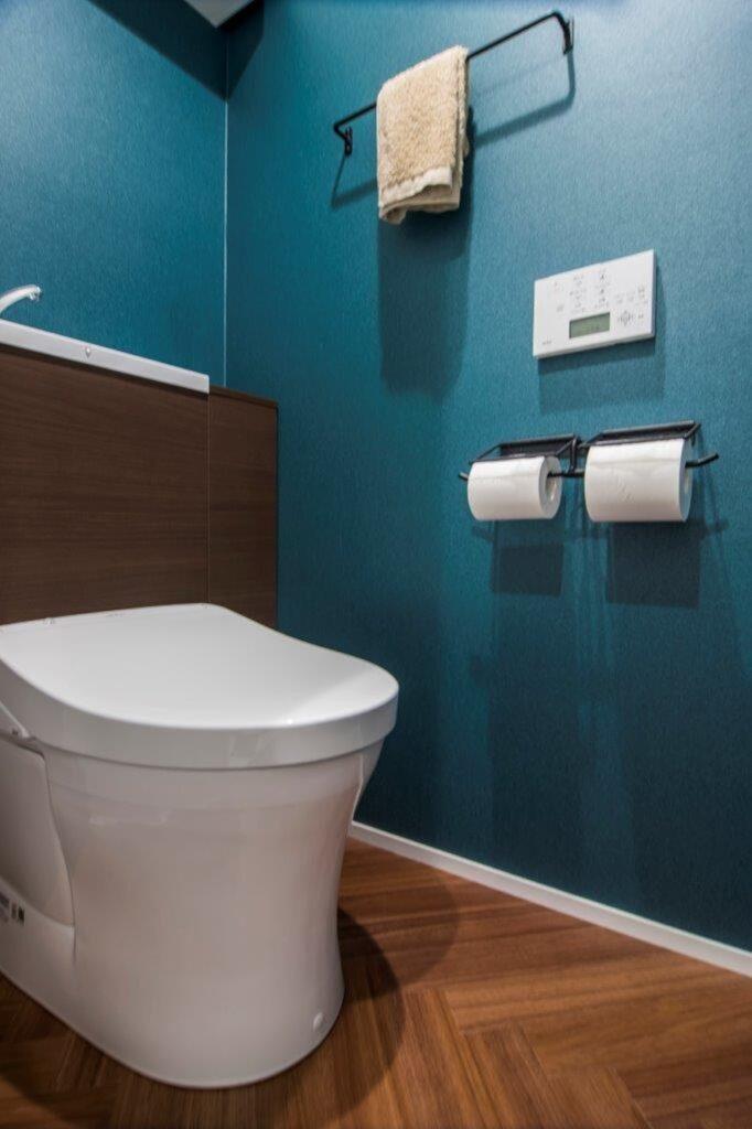 深海のようなトイレ
