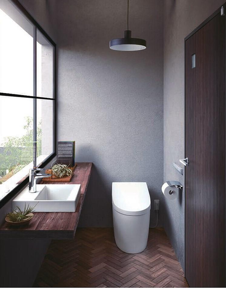 木目にこだわりを感じるトイレ