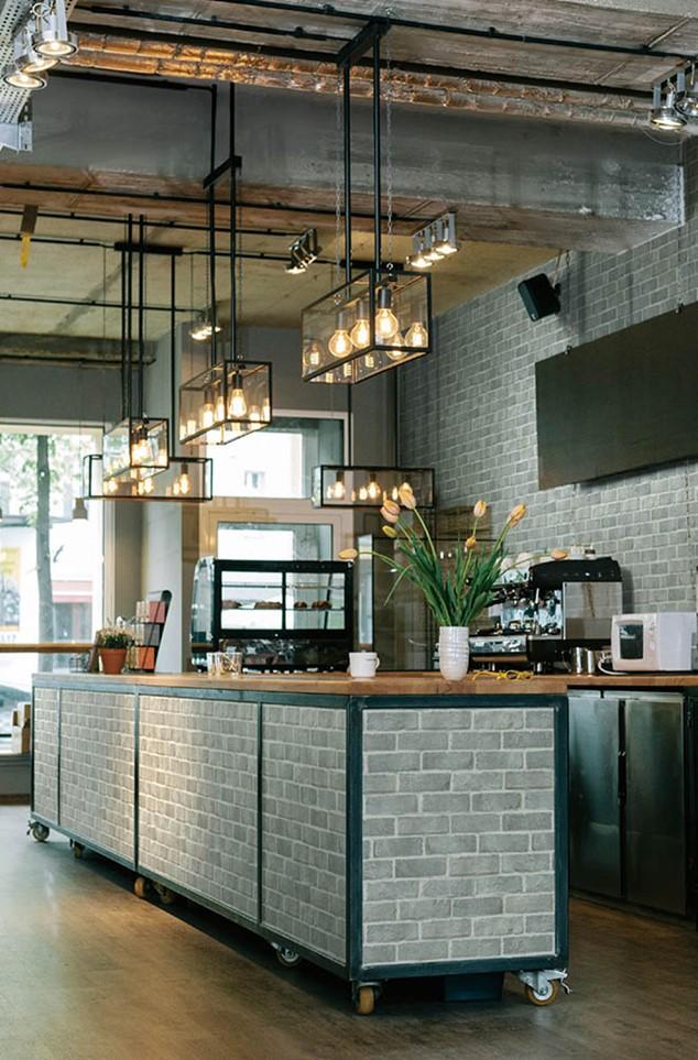 おしゃれなカフェのレンガ風壁紙