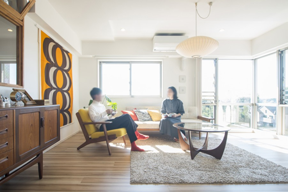 ヴィンテージ家具が合う空間に新築をリノベーション