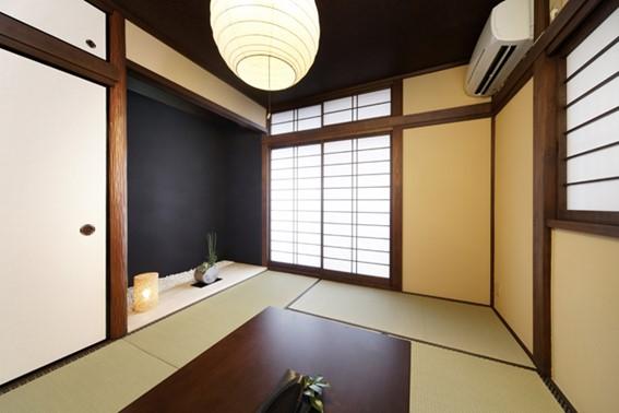 床の間の色やデザインにこだわり、和モダンに仕上げた事例