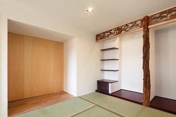 思い入れのある床柱を引き継ぎ意匠の中心に